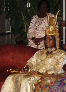 9cbc3bf59efca1021f6ee1212780e857--african-royalty-african-queen