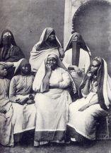 fc328edea3dca2e4c5a2d524e8c4e8d1--egyptian-women-my-people-1