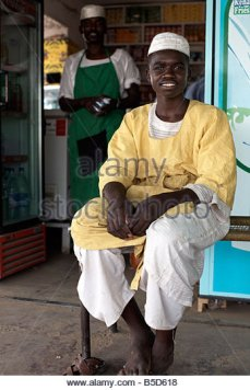 sudanese-shopkeepers-dongola-sudan-africa-b5d618