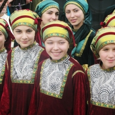 dagestan-people-girls-traditional-costumes-north-caucasus-culture