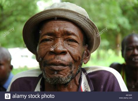 old-man-with-hat-A8122X